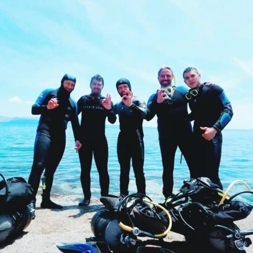 The team 👌  #scubadiving #discoverocean #scubalife #team #summerday #marathondiversclub ...Come dive with us 😎@marathon.diversclub